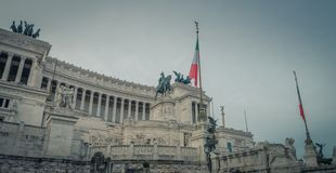 对维托里奥・埃马努埃莱二世的国家历史文物在罗马 免版税图库摄影