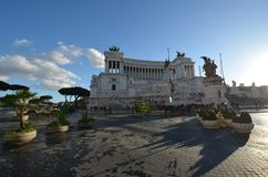 对维托里奥Emanuele的纪念碑II,意大利,天空,海,大厦,水 库存照片