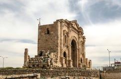 对罗马废墟的门户 库存照片