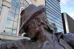 对美国音乐家、歌手和作曲家迈克尔杰克逊的纪念碑 打开2011年6月 免版税库存照片