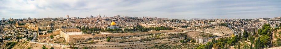 对耶路撒冷老市的全景 库存照片