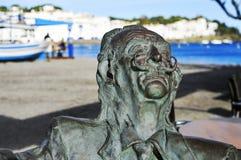 对萨尔瓦多・达利的纪念碑在Cadaques,西班牙 库存照片