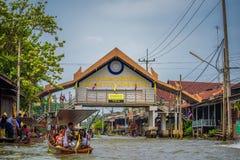 对著名浮动市场的词条门在泰国 库存照片