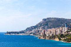 对蒙地卡罗的看法和Larvotto在摩纳哥,法国海滨, Fran 免版税库存照片