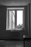 对街道的窗口 库存照片