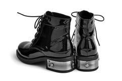 对被涂清漆的人的鞋子 免版税库存照片