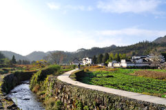 对西迪村庄小河的入口 免版税库存照片