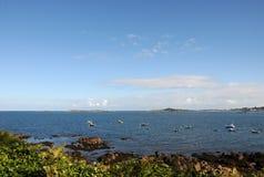 对视图的根西岛lihou 免版税图库摄影