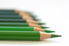 对角绿色铅笔 免版税库存图片