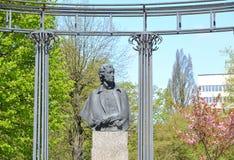 对诗人A的纪念碑 S 普希金在春天 免版税图库摄影