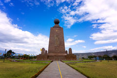 对赤道的纪念碑 图库摄影