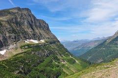 去对这太阳路在冰川国家公园,蒙大拿,美国 库存照片