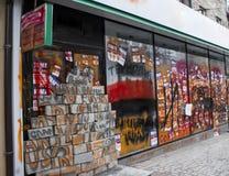 对银行的艺术品破坏者攻击 冲突情况 库存图片