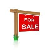 对销售标志由木头制成 库存图片