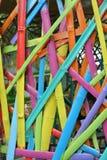 对长度的竹片断被绘的裁减和五颜六色 库存图片