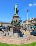 对阿尔弗莱德Escher的纪念碑Bahnhofplatz广场的在苏黎世 库存照片
