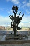 对阿尔弗雷德・诺贝尔的纪念碑 库存图片