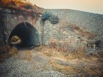 对隧道的入口 桥梁 库存图片