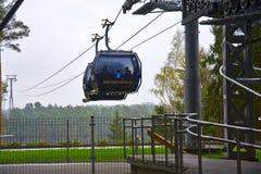 对雪竞技场的空中览绳在城市Druskinenkay,立陶宛 库存图片