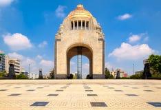 对革命的纪念碑在墨西哥城 免版税库存图片