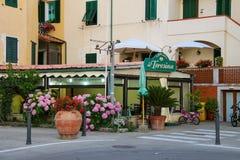 对餐馆厄尔巴岛的Da特雷西纳的入口 Marciana桃莉 库存照片