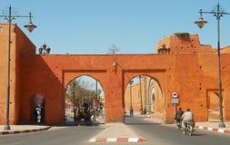对马拉喀什老和新的镇的门 免版税库存图片