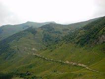 对高加索山脉的旅行在卡巴尔达-巴尔卡里亚 免版税库存图片