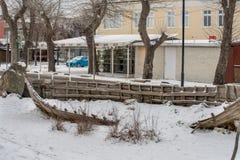 对黑海渔夫的纪念碑堤防的在保加利亚波摩莱 免版税图库摄影