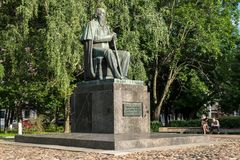 对19世纪萨尔特科夫的主要俄国讽刺作家的Shchedrin纪念碑在市特维尔,俄罗斯 图库摄影
