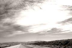 对巴斯托的高速公路 免版税库存照片