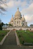 对巴黎的耶稣圣心的大教堂的台阶 库存图片