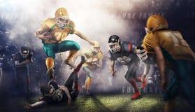 对3d体育比赛场所的残酷橄榄球行动 有球的成熟球员 免版税库存照片