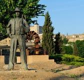 对Agricultor的纪念碑与用小锄头,托莱多,西班牙 免版税库存照片