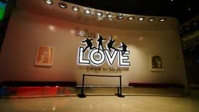 对Beatles太阳马戏团剧院爱展示的入口 库存图片