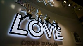 对Beatles太阳马戏团剧院爱展示的入口 免版税库存图片