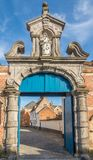 对Beguinages Closter的门在Lier -比利时 免版税库存图片