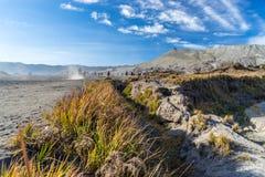 对Bromo火山口的方式 免版税库存图片