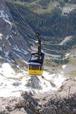 对Dachstein山的缆车在Ramsau 库存照片