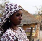 对fulbe fulani部落妇女的亦称看法在昌巴,喀麦隆附近 图库摄影