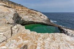 对Giola自然水池的全景在Thassos海岛,希腊 库存照片