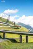 对Gotthard通行证(瑞士)的高速公路 免版税库存照片