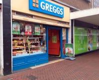 对Greggs面包店商店的正门 库存照片