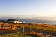 对Hvitserkur的方式在北冰岛 免版税库存图片