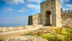 对Kaliakra堡垒的门在保加利亚 库存图片