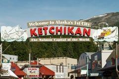 对Ketchikan阿拉斯加的可喜的迹象 免版税库存图片