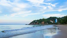 对Khaotao海滩和Wat Khaotao的旅行 库存照片