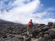 对Kilimanjaro的上升 库存图片