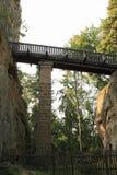 对Kokorin城堡的吊桥 库存照片