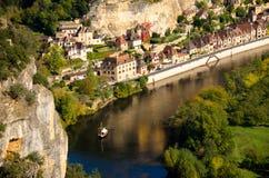 对La Roque Gageac的看法 免版税库存照片