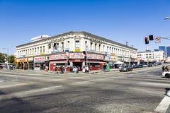对Langers广场的午间视图在洛杉矶 库存图片